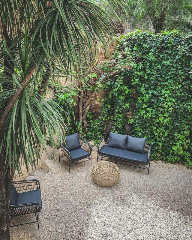 Nü Garden, el último de los jardines que queríamos enseñaros... Uno de los espacios más nuevos y especiales 🌿  ¡Ven a descubrirlo con nosotros!  #fotografia #camara #grabacion #plató #espaciosunicos #paredes #marcas #modelo #zapatos